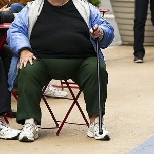 27nov2014---mulher-observa-o-movimento-na-times-square-em-nova-york-indice-de-obesidade-cresceu-nos-eua-1417075028547_300x300